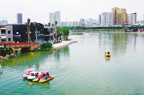 南宁市民歌湖观赏游船已开放