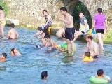 天等县斥资整治后城区河成为群众避暑胜地