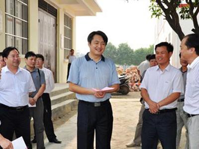 王  军:整合资源 形成合力 强力推进新农村建设