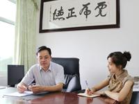 """黄炳峰:以实现""""工业富县""""目标推动县域产业科学发展"""