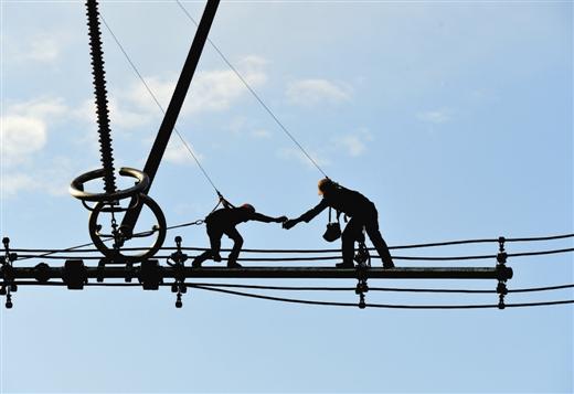《广西壮族自治区电网建设促进办法》2月1日起施行