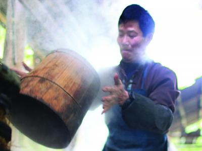 渐行渐远的手工榨茶油