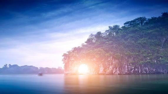 醉情山水 广西桂林5日游