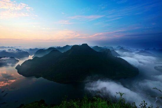 上林大龙湖美景 图:蓝尚宝
