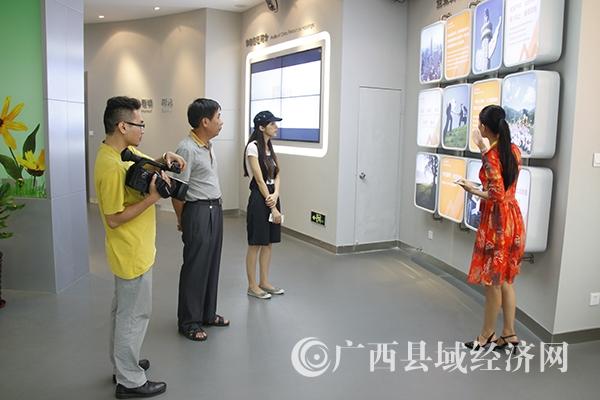 县促会派出采访组到富川县采访、作网络专题服务