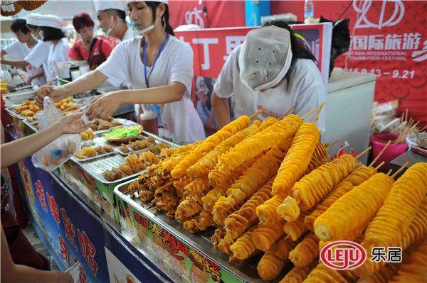 热度持续发酵 超级吃货席卷东南亚美食节