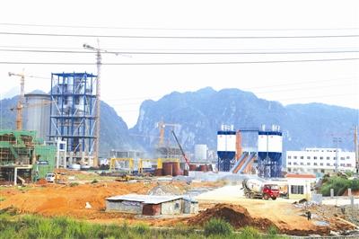 河池・都安临港工业区部分亿元项目已初见雏形