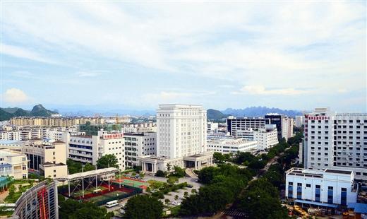 桂林高新区:因企施策,建设千亿元产业园区