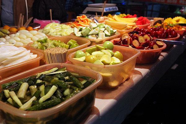 吃货不服来辩:广西六大美食街!