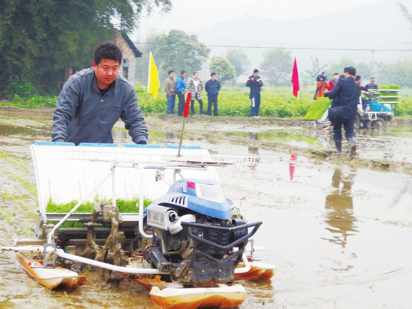 柳州市春耕生产现场会在融安举行 推进水稻生产全程机械化