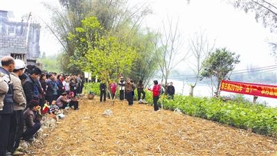 东兰县举办农村适用技术培训会