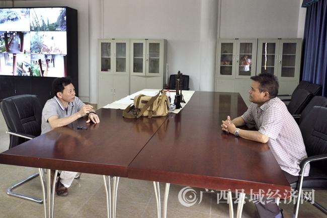 《中国岩画》期刊采访组到宁明采访花山岩画保护专题