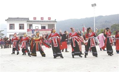 """象州""""三大机制""""带旺农村文化市场"""