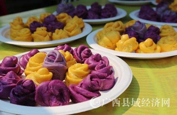 骆越王节近百种花山传统美食受游客喜爱