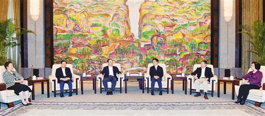 彭清华陈武率广西党政代表团赴沪考察