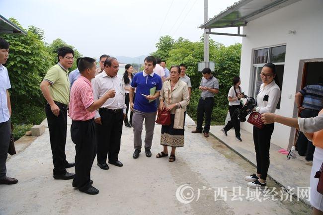 在文圩镇龙定村标准化小蚕共育基地学习考察