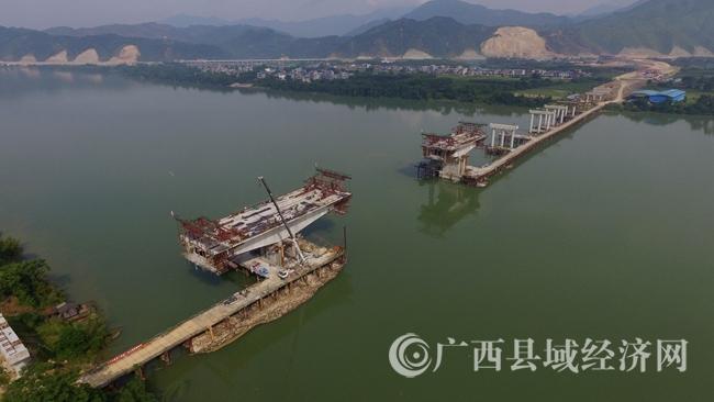 [融安县]三柳高速融江大桥加快建设 完成投资4213.27 万元