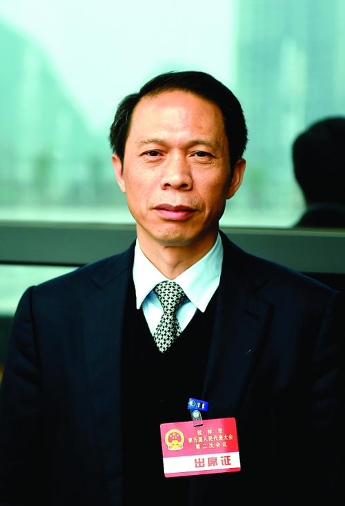 资源县委书记韦绍艺:全力做好脱贫攻坚和生态建设两篇文章
