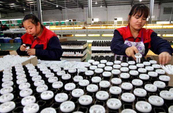 """[平南县]发现特大型""""工业黄金""""稀土矿 可供开采100年以上"""