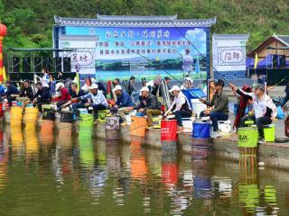 重庆:目睹垂钓竞技 体验生态乡村游