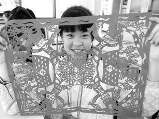 融水县:开展民族艺术进校园活动