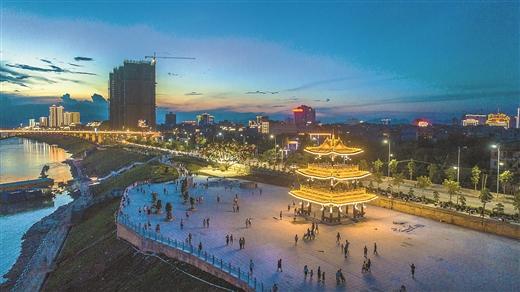[平南县]加快建设区域性现代物流次中心江滨城市