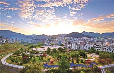 [西林县]围绕目标 狠抓落实 经济社会健康发展