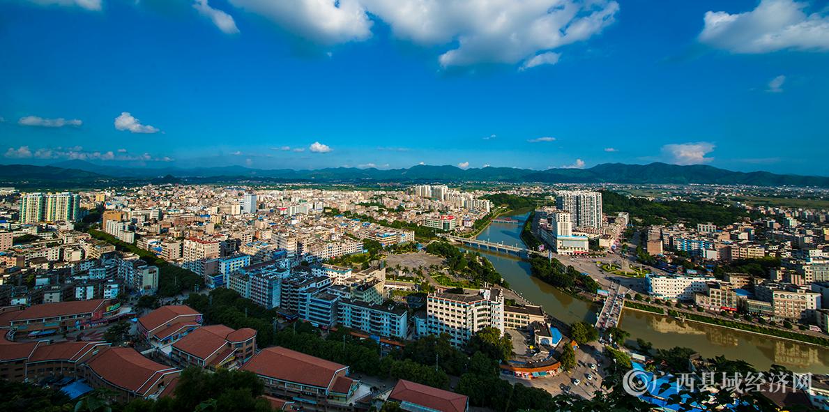 灵山县城全景图片