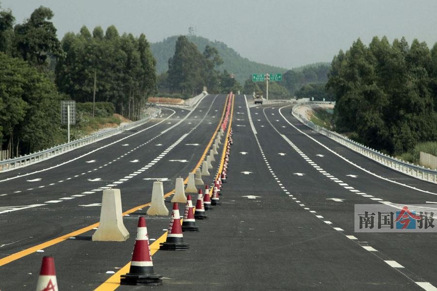 柳州至南宁高速路新兴互通改造完毕 7月31日开通