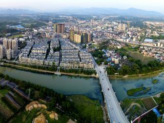 鸟瞰灵川县城--许沂摄