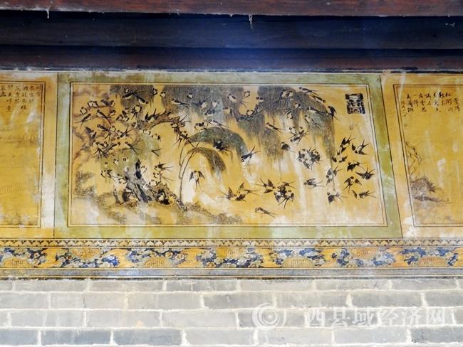"""宗祠大门顶上千姿百态,场面壮观的""""百燕图""""壁画"""