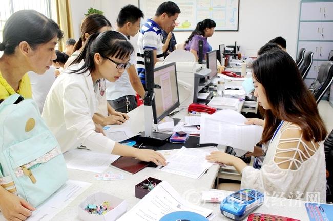 平桂区:助学贷款助2000贫困学子圆大学梦