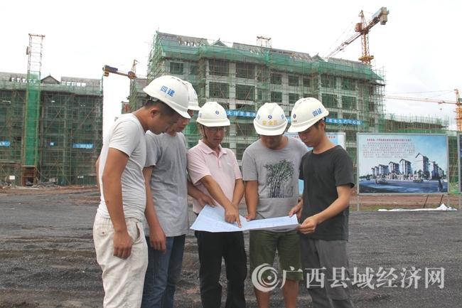 """宁明""""老乡家园""""扶贫安置小区建设进展顺利"""