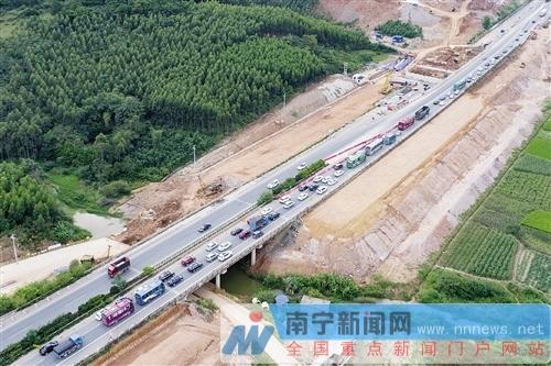 广西高速路网建设加密加快 县县通高速沿线景更美