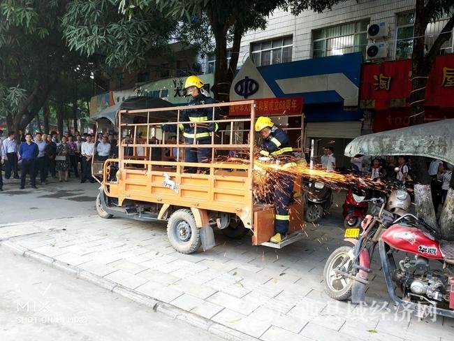 宁明开展三轮车交通违法专项整治联合执法行动