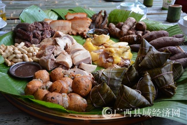 17.簸箕肉、各式农家菜、特色的泥鳅.jpg
