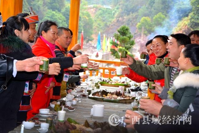 金秀三角乡举办第二届生态民俗文化旅游节暨首届摄影比赛活动