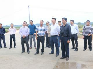 [灵山县]第二批广西乡级现代特色农业示范区考评组到该县开展实地考评工作