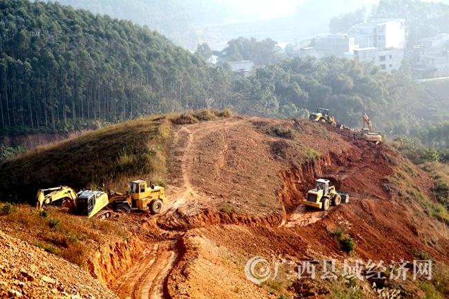 [大化县]强力推进G355绕城公路建设