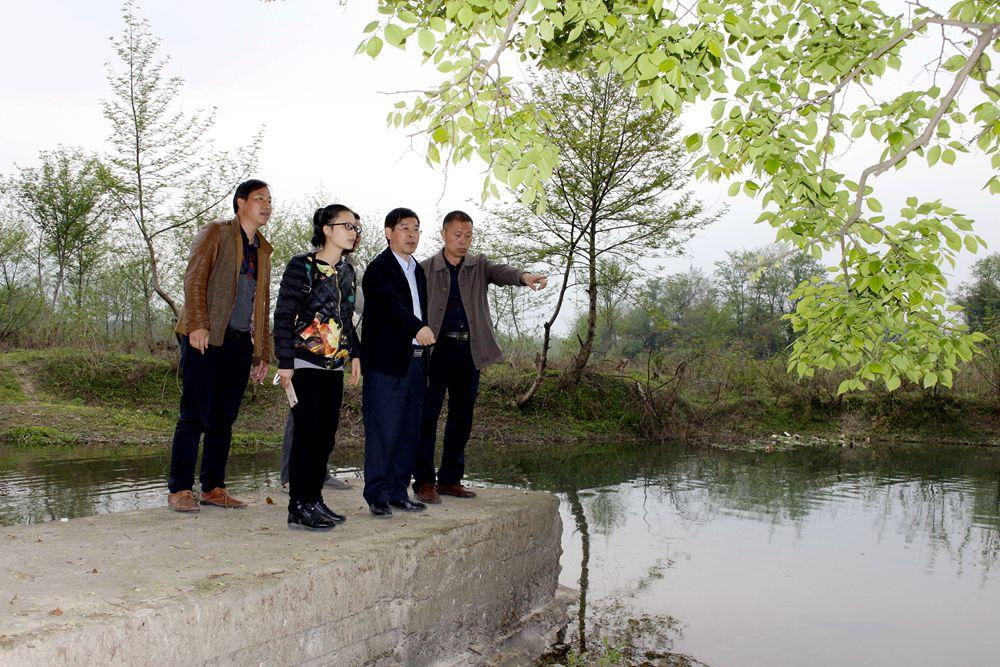 恭城县水利局领导心系水利安全工作