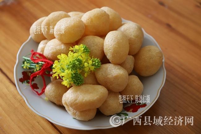 晶莹剔透、享誉广西的武宣鱼圆是糯米酿鱼圆、鱼圆焖笋干的主料
