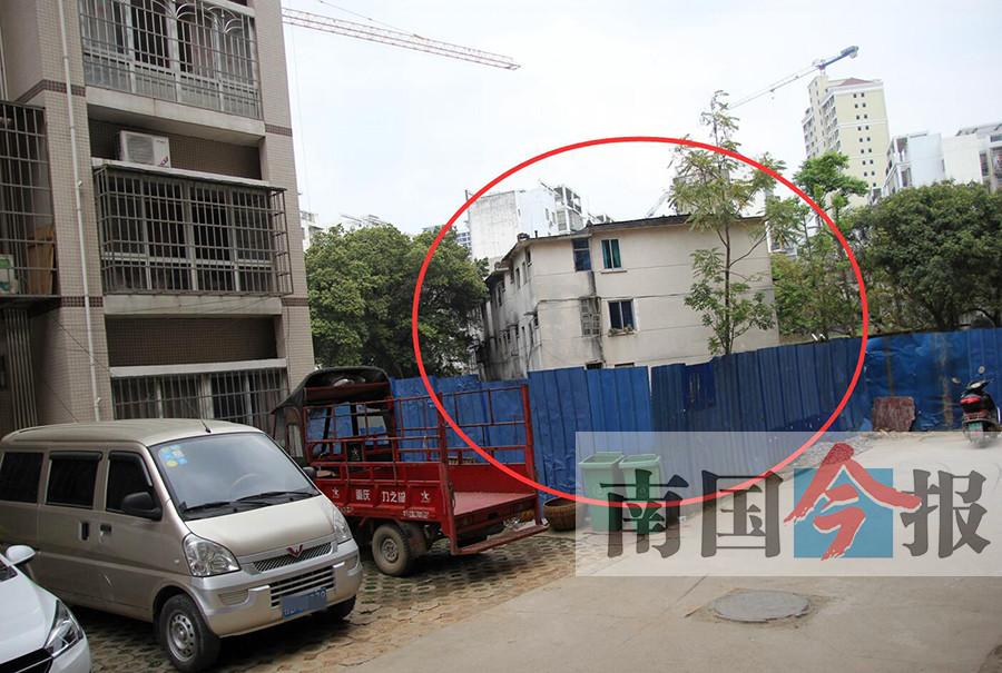 房开未完成拆迁就建楼 数百业主5年无法办房产证