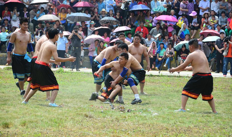 江州区:左州镇金山花炮节 壮乡盛会引来八方客