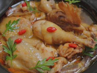 乐业美食:壮家经典名菜----甜酒娘炖鸡