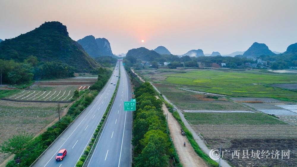 扶绥县:做强优势补齐短板   县域经济赶超进位新跨越