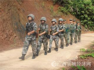"""宁明军警联合开展""""八一""""边境行主题党日活动"""