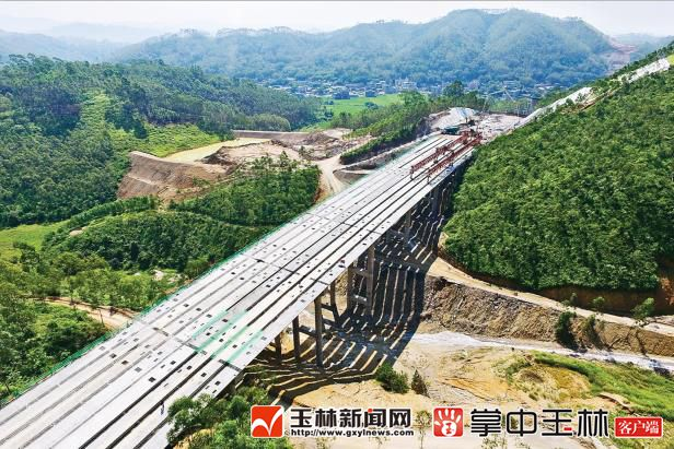 玉湛高速(广西段)建设传捷报 项目完成投资32亿元