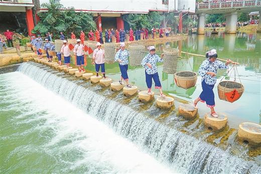 梧州六堡茶暨广西岭南风情文化旅游周火爆 古道茶香 客似云来