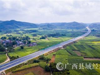 广西吴大高速加快施工献礼改革开放40周年和自治区成立60周年