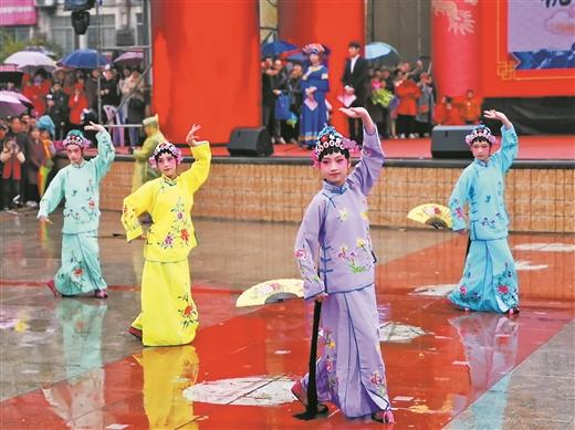 宾阳县:炮龙节吸引44万游客
